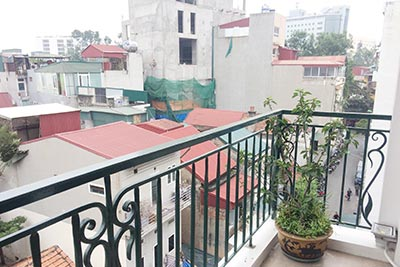 Serviced 01 BR apartment to let in Hoan Kiem with lovely balcony