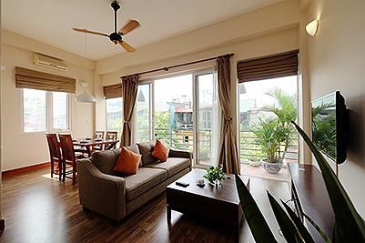 Serviced 2 bedroom apartment to let in Hoan Kiem with balcony