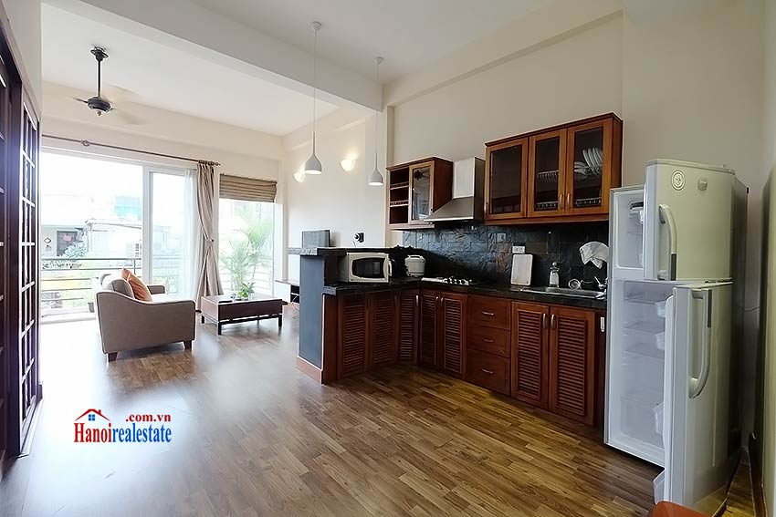 Serviced 2 bedroom apartment to let in Hoan Kiem with balcony 1