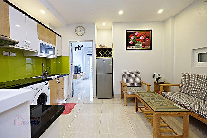 Serviced 2-bedroom apartment in Hoan Kiem to rent 1
