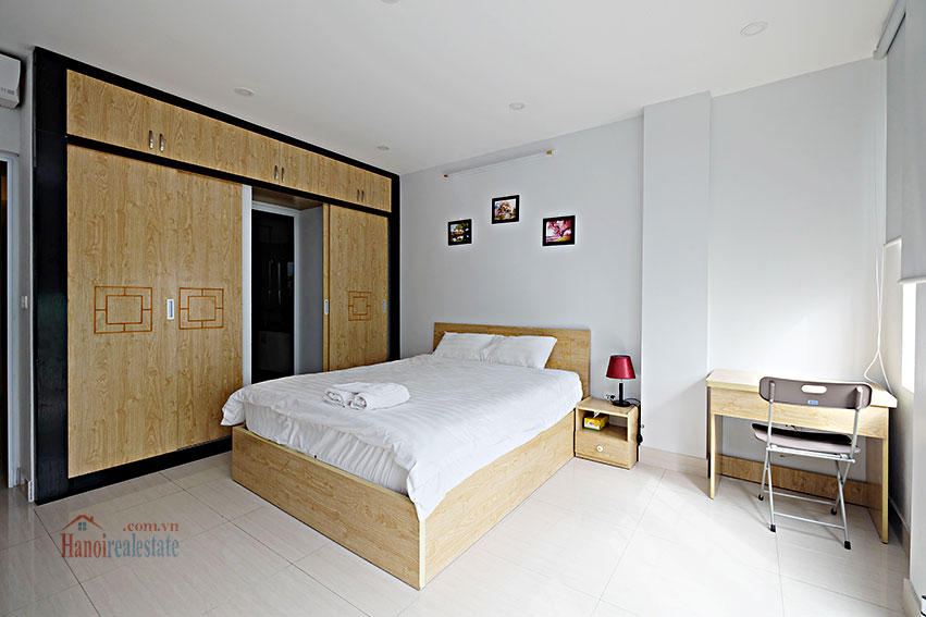 Serviced 2-bedroom apartment in Hoan Kiem to rent 10