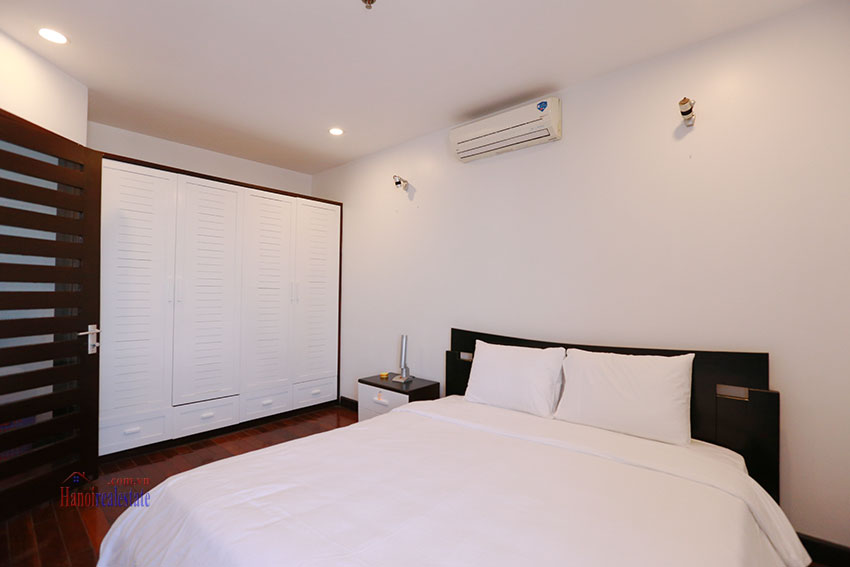 Serviced apartment with 2beds on a quite alley of Kim Ma Street 11