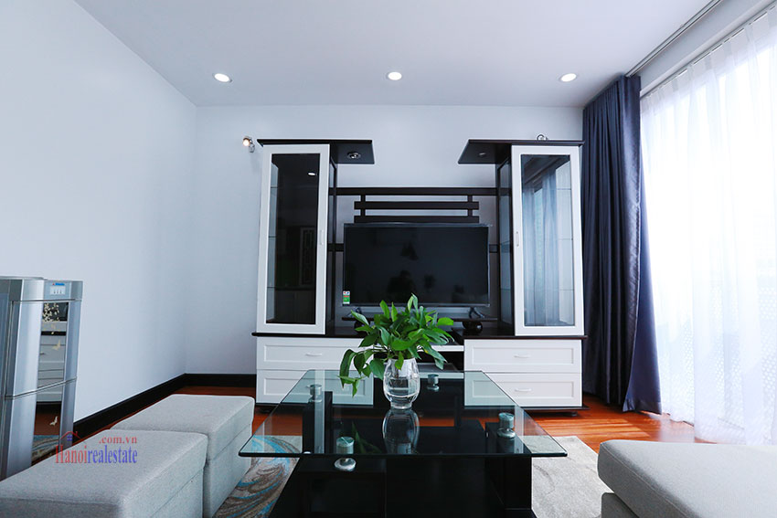 Serviced apartment with 2beds on a quite alley of Kim Ma Street 4