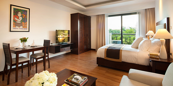 Studio apartment at Elegant Suites West Lake, free facilities and services