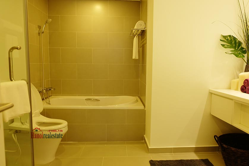 Somerset West Point: Amazing 03BRs serviced apartment, balcony with beautiful Red River view 12