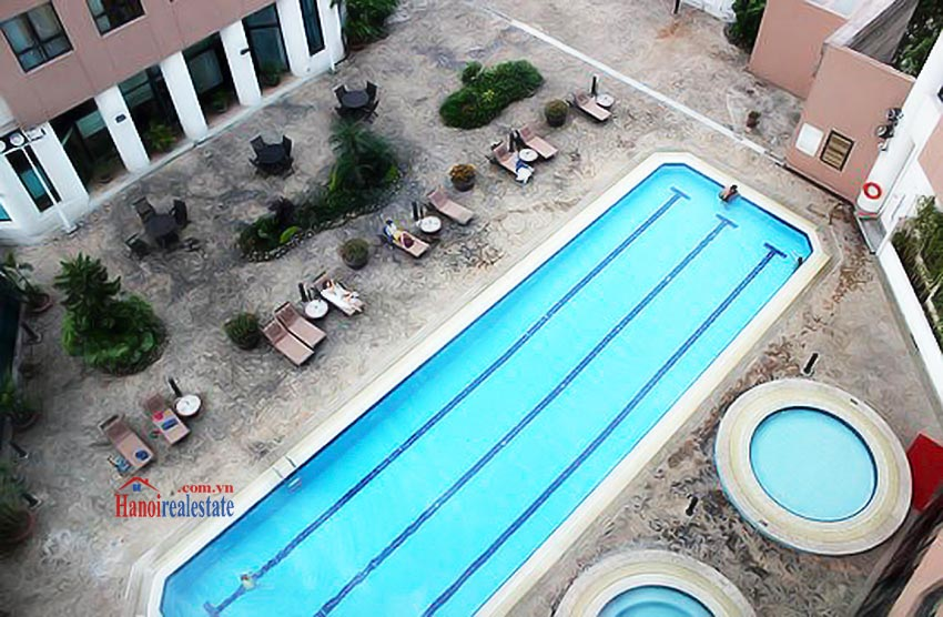 Sommerset Grand Hanoi Swimming pool