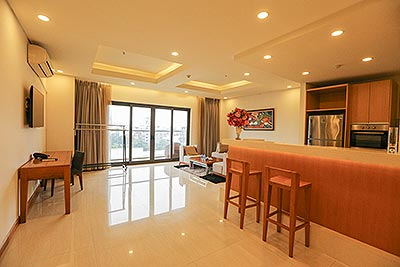 Spacious 02 bedrooms apartment on Trinh Cong Son, conveniently reach Airport