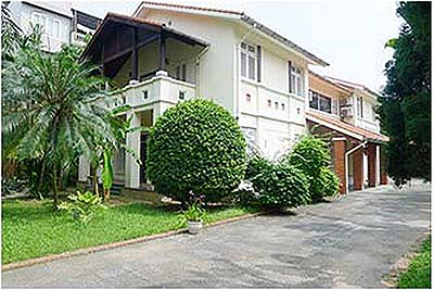 Spacious 04BR Villa for rent at Dang Thai Mai, with large garden and swimming pool