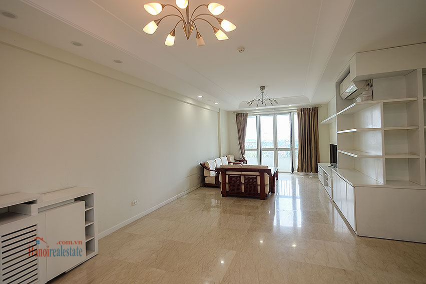 Spacious 04BRs apartment at P2 Ciputra, golf course view 1