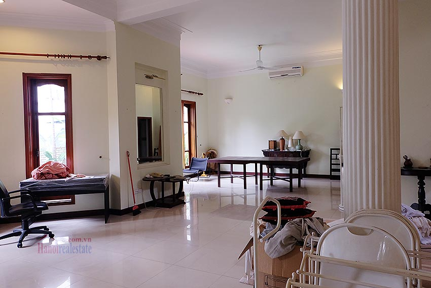 Spacious 04BRs villa with swimming pool at To Ngoc Van, car access 10