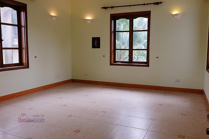 Spacious 04BRs villa with swimming pool at To Ngoc Van, car access 18
