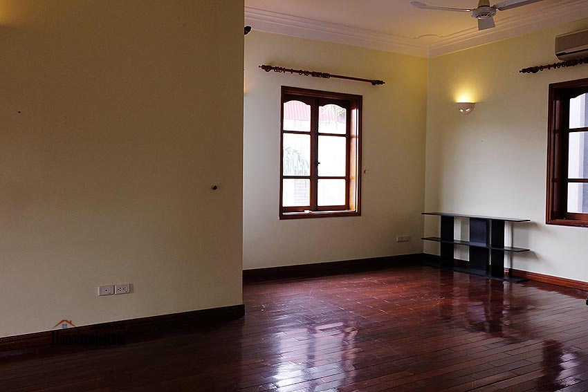 Spacious 04BRs villa with swimming pool at To Ngoc Van, car access 19
