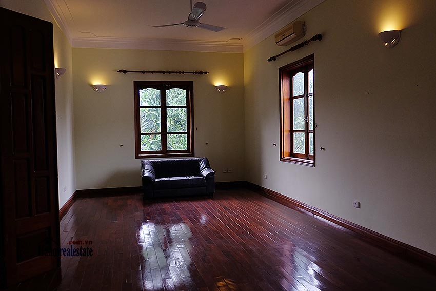 Spacious 04BRs villa with swimming pool at To Ngoc Van, car access 20