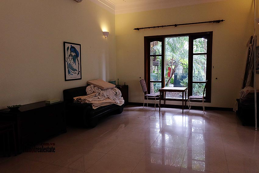 Spacious 04BRs villa with swimming pool at To Ngoc Van, car access 8