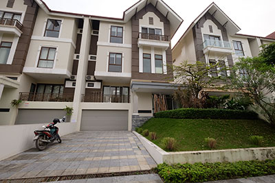Spacious 05BRs villa in Q block Ciputra, unfurnished