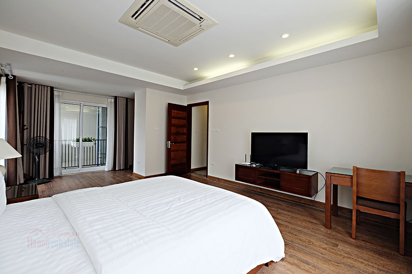Spacious 2-bedroom apartment to rent in Hai Ba Trung, short walk to Vincom Ba Trieu 12