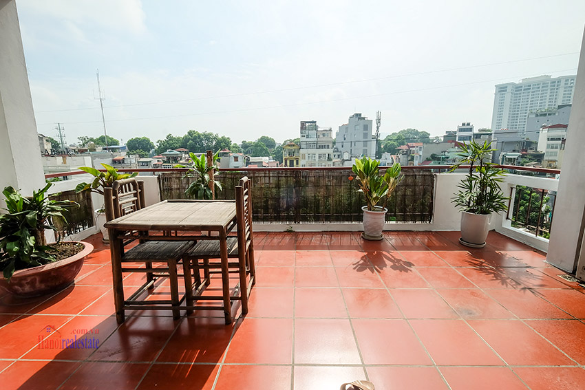 Spacious 2-bedroom apartment with big balcony in Truc Bach to rent 4