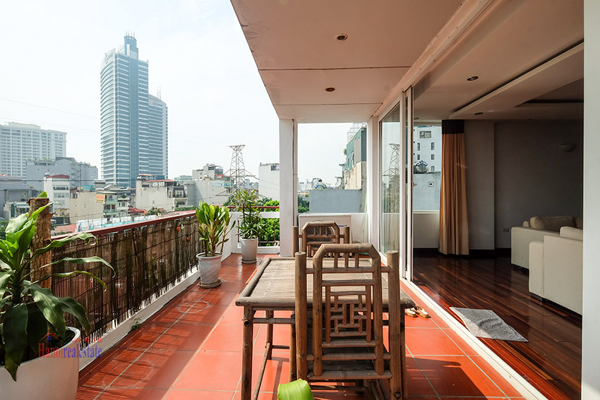 Spacious 2-bedroom apartment with big balcony in Truc Bach to rent 5