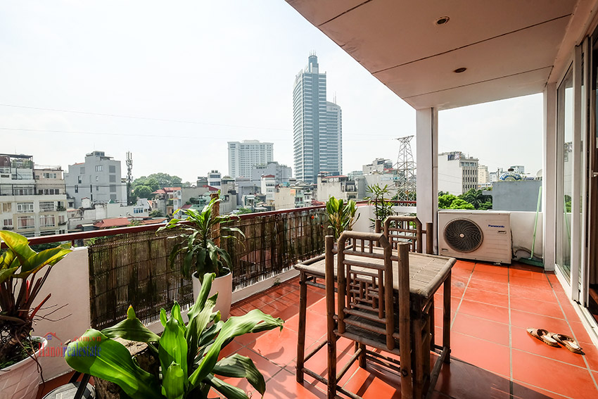 Spacious 2-bedroom apartment with big balcony in Truc Bach to rent 6