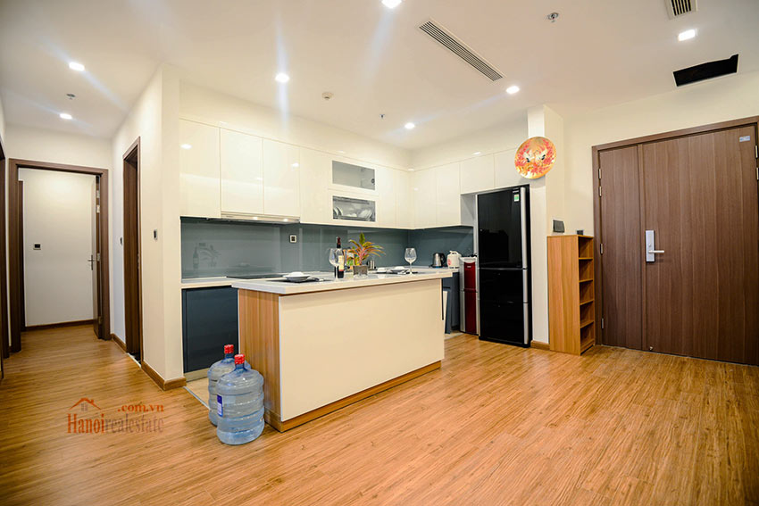 Spacious 2BR apartment on high floor of M2, Vinhomes Metropolis 3