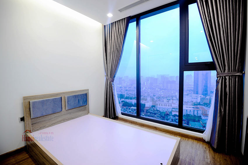 Spacious 2BR apartment on high floor of M2, Vinhomes Metropolis 8