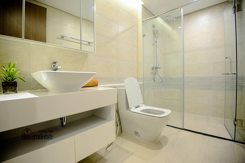 Spacious 2BR apartment on high floor of M2, Vinhomes Metropolis 9