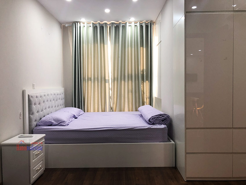 Spacious and modern 02 bedroom apartment in L block, Ciputra 8