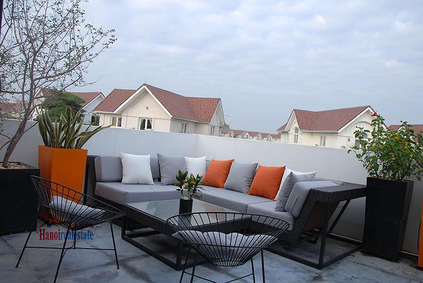 Spacious Garden and Pool Villa for rent in Vinhomes Riverside, 750m2 16