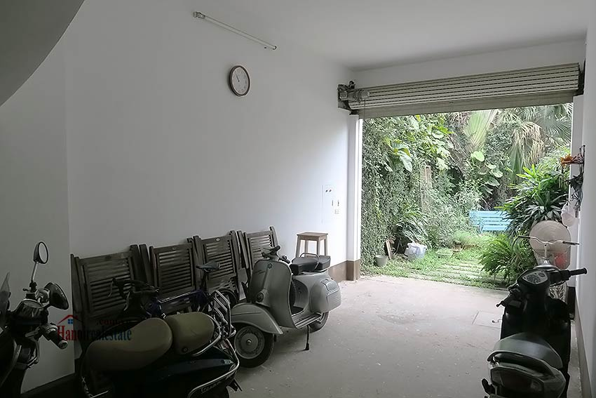 Spacious garden charming 3-bedroom house in Tay Ho to rent 5