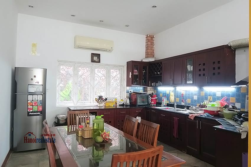 Spacious garden charming 3-bedroom house in Tay Ho to rent 9