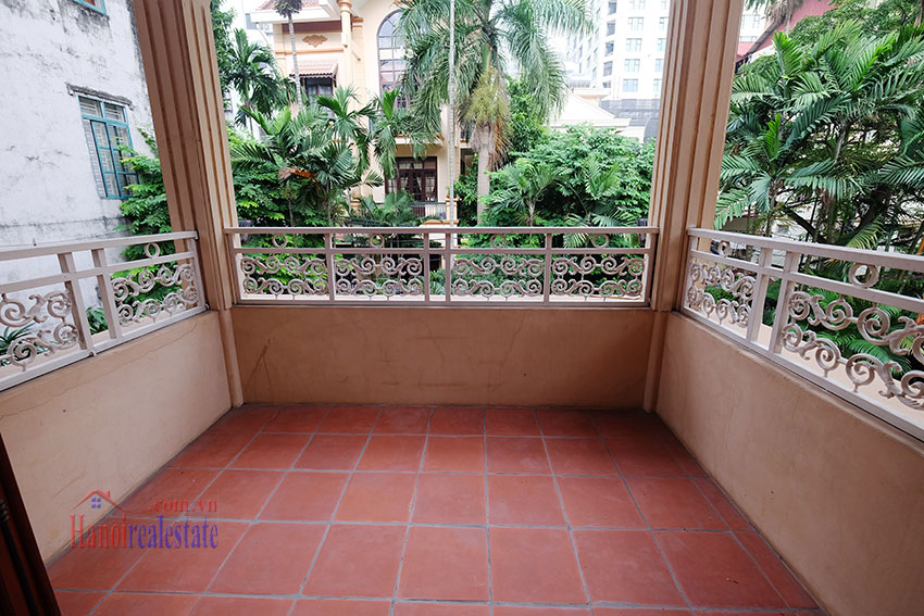 Spacious garden unfurnished villa in the heart of Tay Ho to rent 15