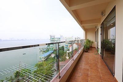 Spacious lake view 03BRs apartment in Yen Phu Village