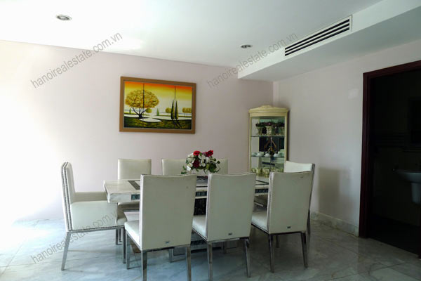 Spacious penthouse facing West Lake, large living room, modern Furnished 12