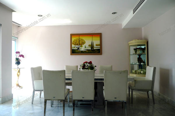 Spacious penthouse facing West Lake, large living room, modern Furnished 13