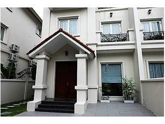 Spacious unfurnished 4BRs villa at Vinhomes Riverside, bright and airy