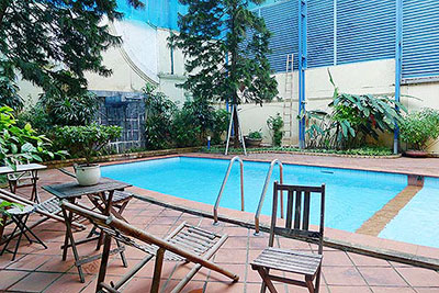 Spacious villa with outdoor Pool and garden in Tay Ho, Well appointed location