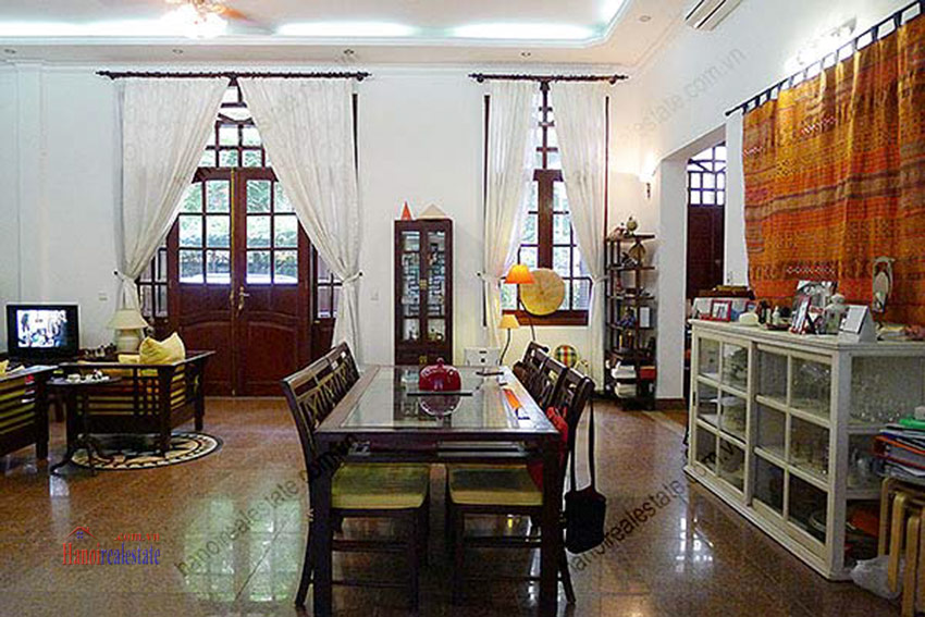 Spacious villa with outdoor Pool and garden in Tay Ho, Well appointed location 25