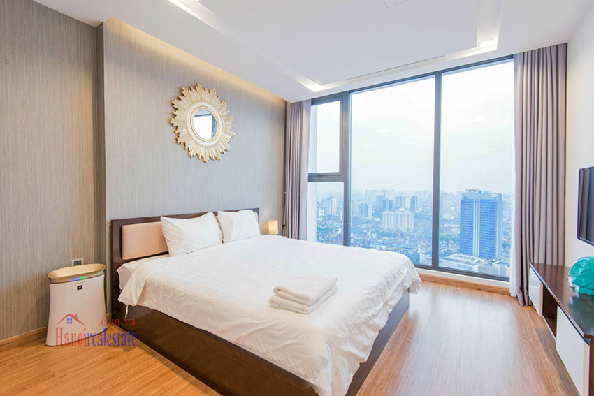 Spectacular city view 03 bedroom apartment in Vinhomes Metropolis 11