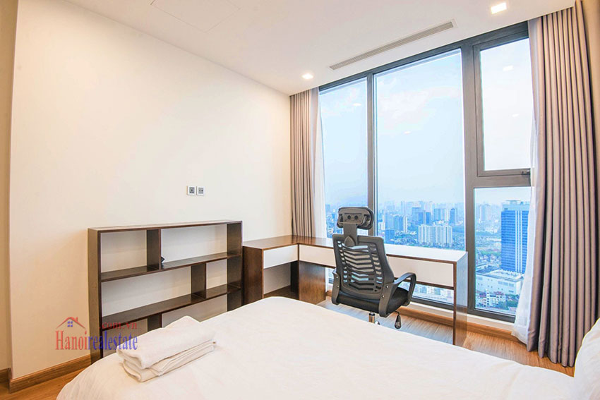 Spectacular city view 03 bedroom apartment in Vinhomes Metropolis 9