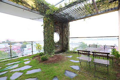 Splendid lake view duplex penthouse 03BRs on To Ngoc Van St