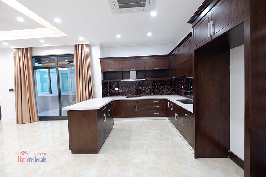 Starlake: Brand new unfurnished 04BRs house, pool and gym 10