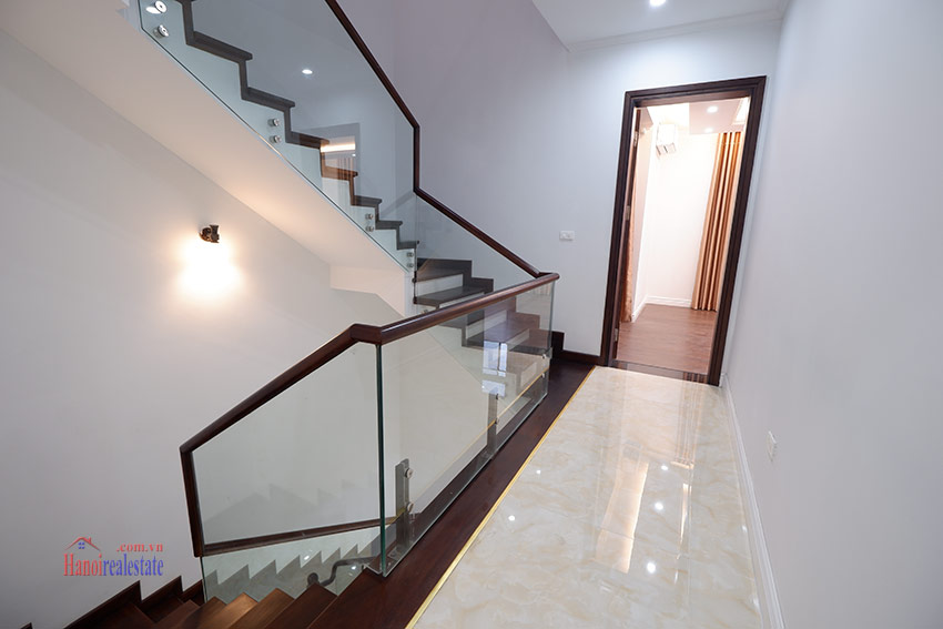 Starlake: Brand new unfurnished 04BRs house, pool and gym 17
