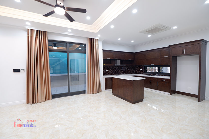 Starlake: Brand new unfurnished 04BRs house, pool and gym 9