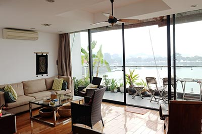 Stunning lake view, awesome 03BRs penthouse to rent in Truc Bach, big balconies