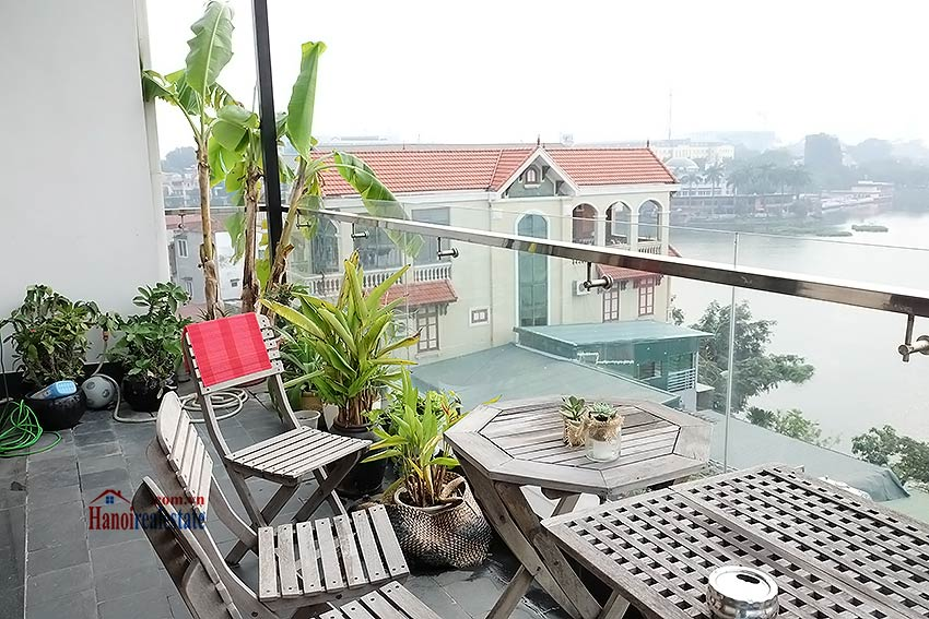 Stunning lake view, awesome 03BRs penthouse to rent in Truc Bach, big balconies 3