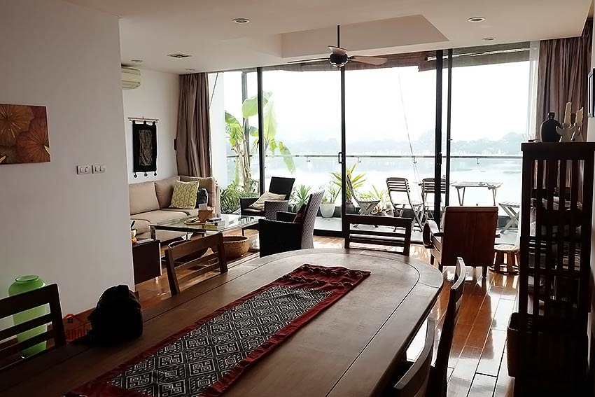 Stunning lake view, awesome 03BRs penthouse to rent in Truc Bach, big balconies 8