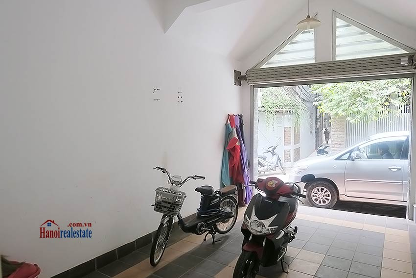 Tay Ho 03 bedroom house to rent, nice terrace and fully furnished 3