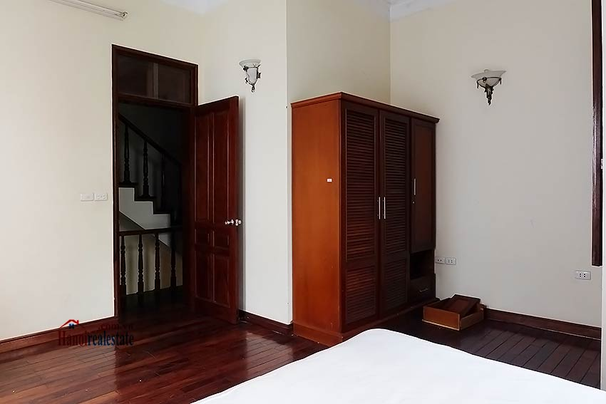 Tay Ho furnished house to let with 03 bedrooms and top floor terrace 11