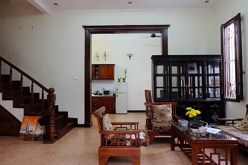 Tay Ho furnished house to let with 03 bedrooms and top floor terrace 3