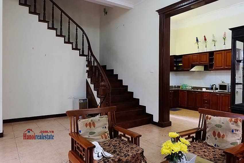 Tay Ho furnished house to let with 03 bedrooms and top floor terrace 4